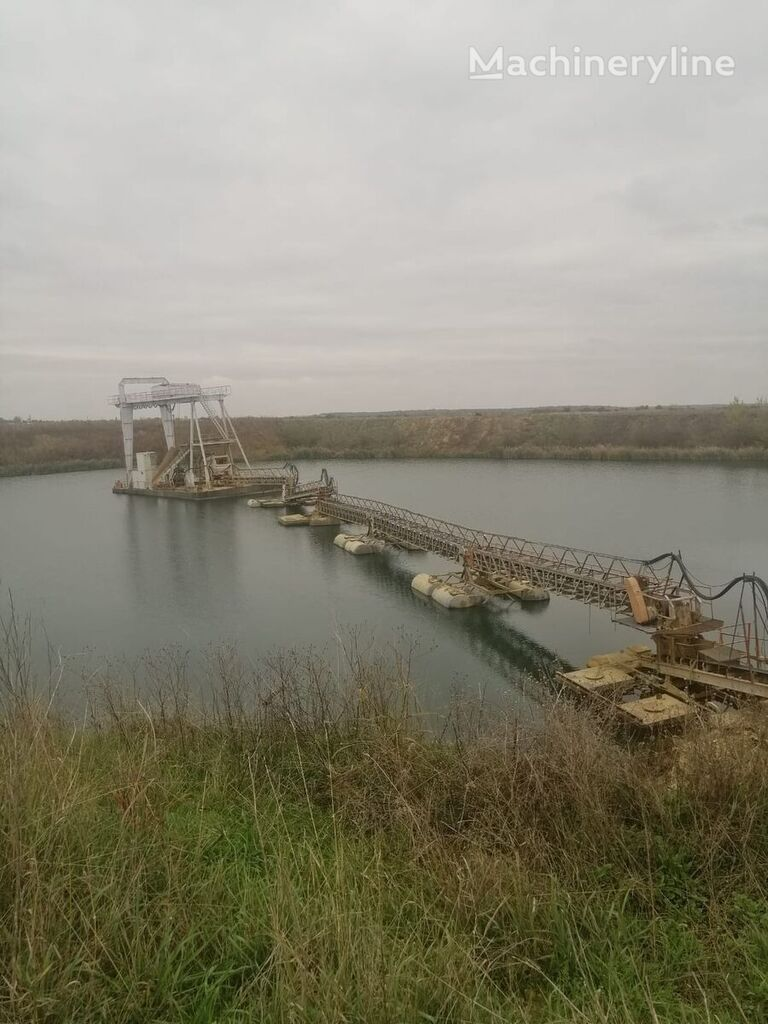 просеивающий ковш floating dredge plant -sistem dragare cu pod rulant