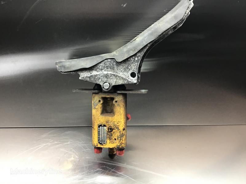 педаль акселератора для экскаватора LIEBHERR R902 Li/R902 LC/R902 TUN/R922 Li
